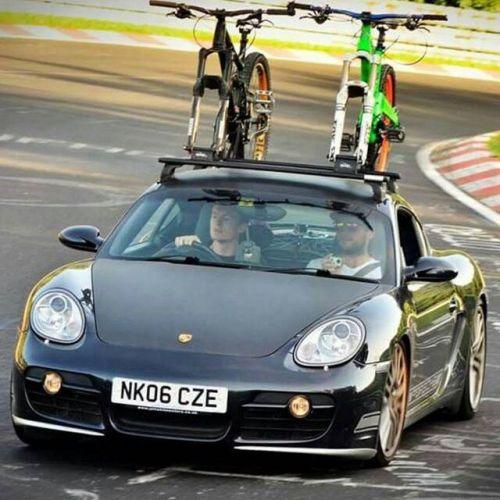 Honza odpovídá: 22 důvodů, proč je auto lepší než kolo