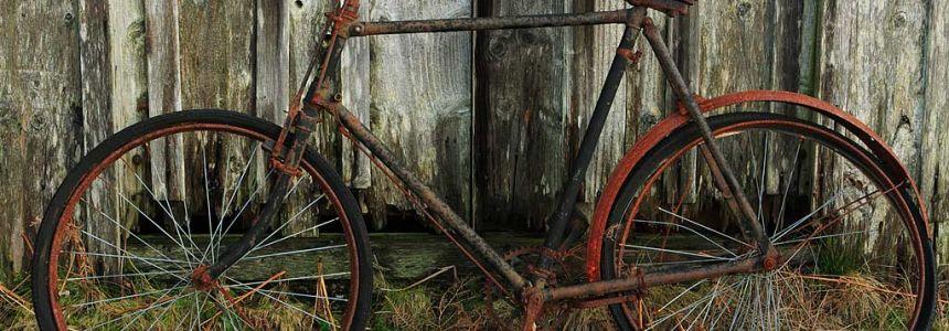 Zima klepe na dveře: Jak nejlépe zazimovat kolo?